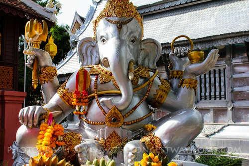 Statue de Ganesha au Wat Sri Suphan