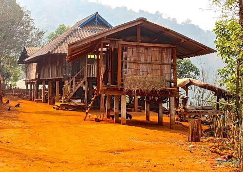Maison typique de la tribu Akha