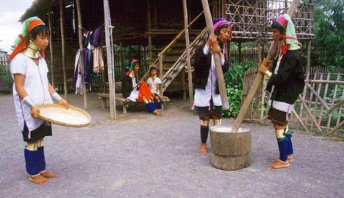 Padaung Karen Village