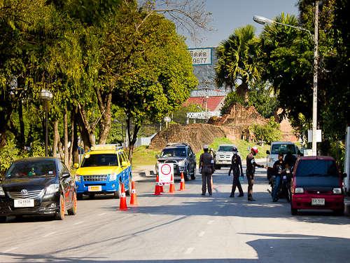 Barrage de Police - Chaing Mai